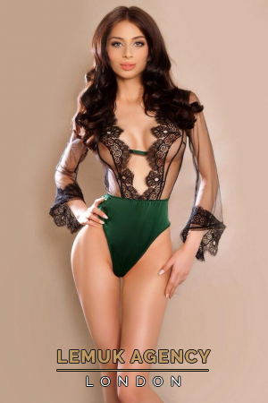 Escort  Jazmin from Gloucester Road