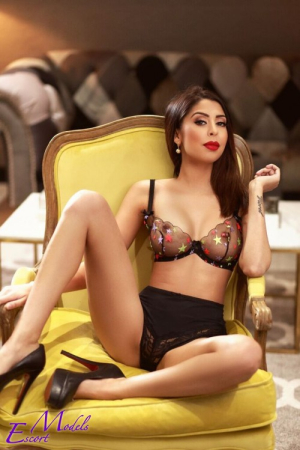 Escort  Carmelita from Gloucester Road