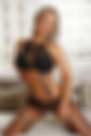 Escort  Ayleen from Bayswater